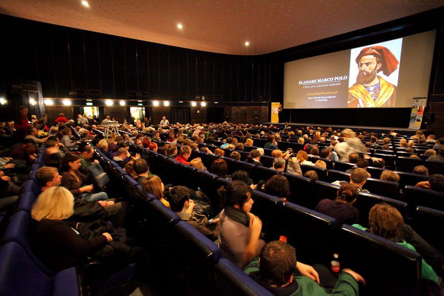 Warszawa atrakcje: slajdy podróżnicze w kinie Luna